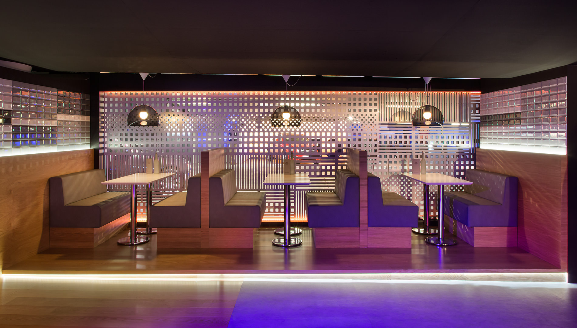 Messe Design Live Kommunikation Berlin Cadillac Experience Bar Bistro Going Places EventLabs