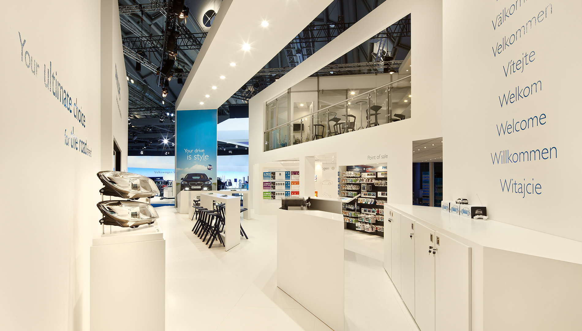 Messe Design Live Kommunikation Frankfurt Philips Automotive Lighting Messestand Theke Going Places EventLabs