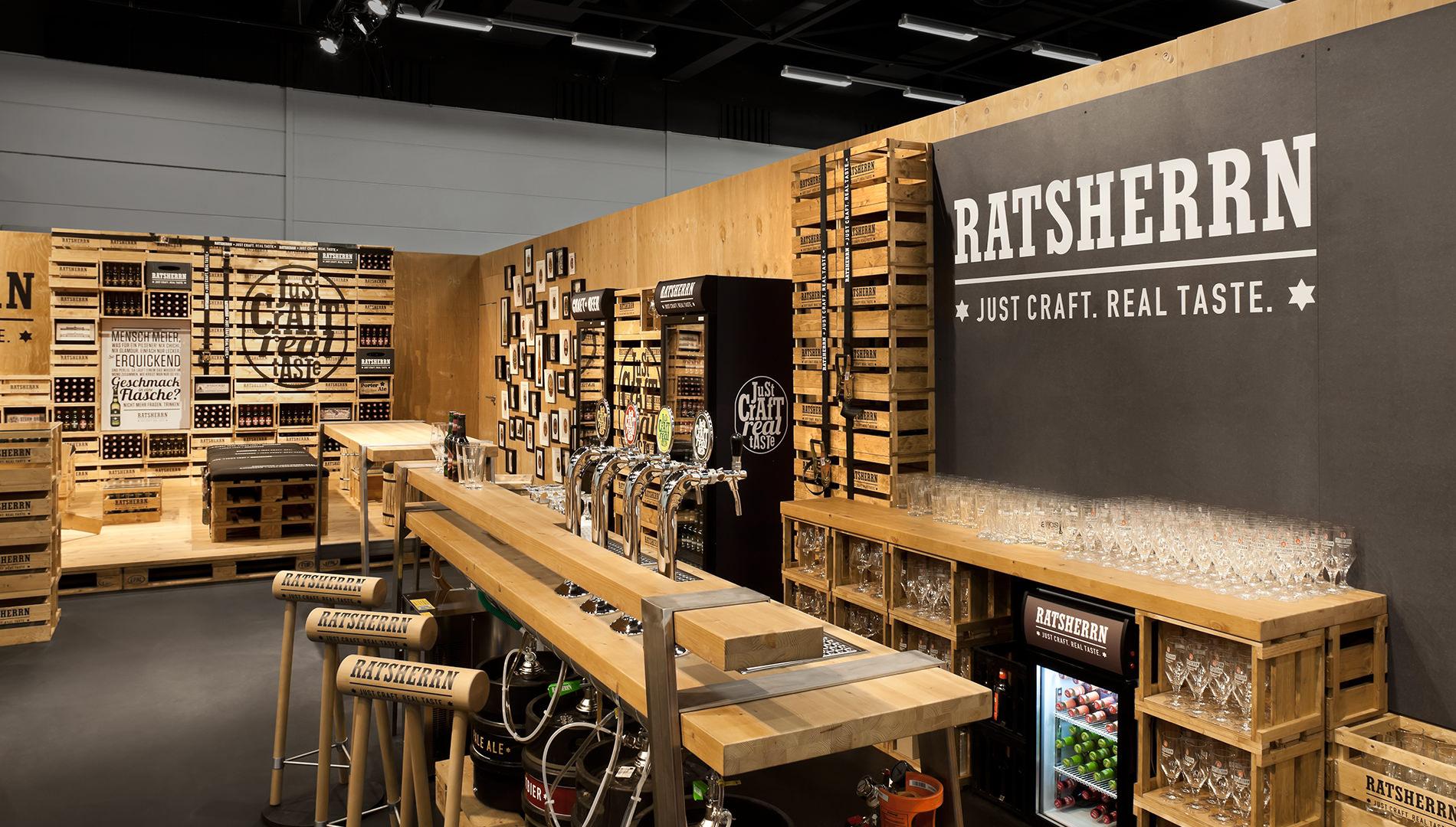 Messe Design Live Kommunikation Hamburg Internorga Ratsherrn Corporate Architecture Craftbiertheke Sitzecke Going Places EventLabs