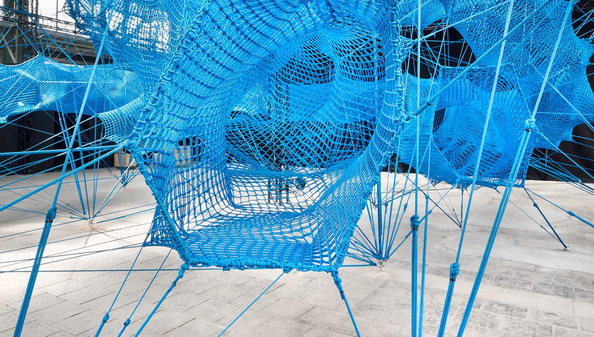 Messe Design Live Kommunikation Köln Mülheim Carlswerk Olympus Perspective Playground Installation Sicherheitsnetze Going Places EventLabs