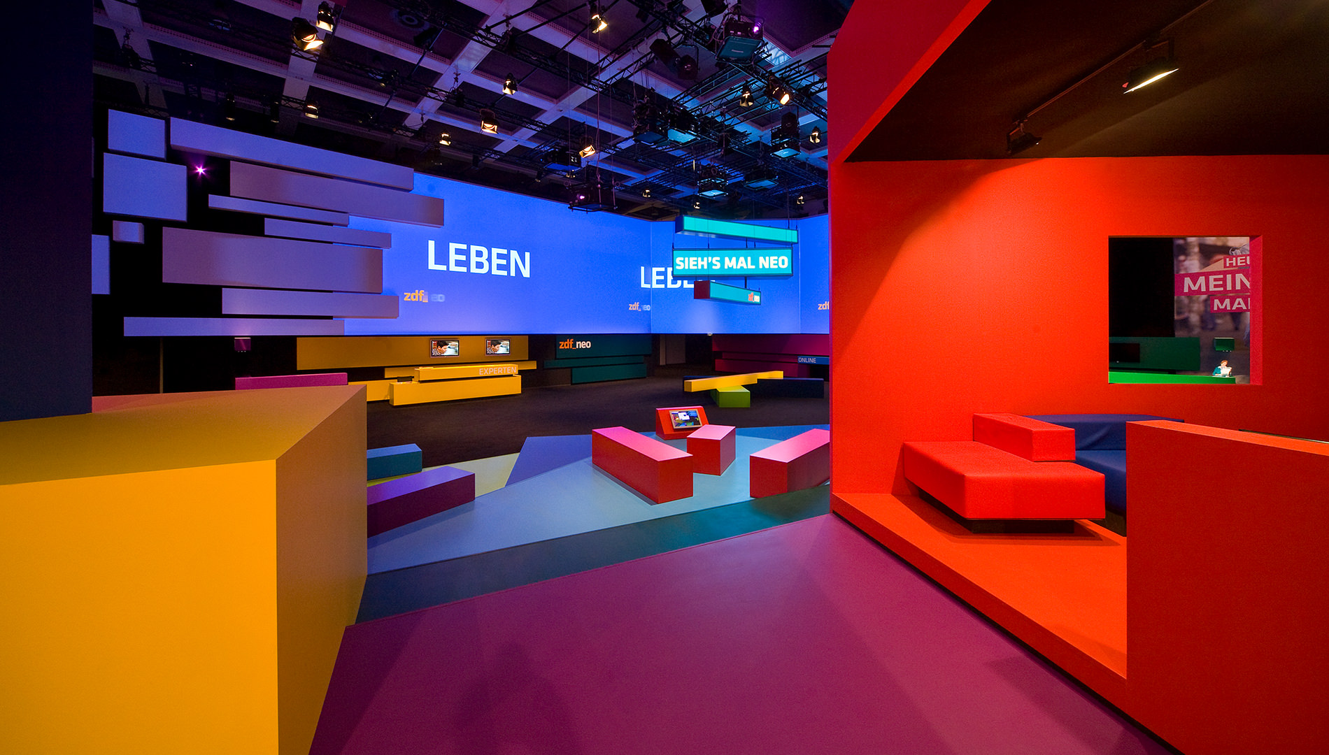 Messe Design Live Kommunikation Berlin ZDF neo IFA Lounge Sitzecke Going Places EventLabs